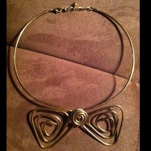 Gold bow collar-necklace