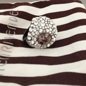 Henri Bendel  Jewelry - Henri Bendel cocktail ring