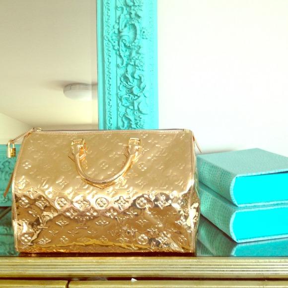 29 off louis vuitton handbags louis vuitton monagram for Miroir kat von d