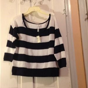 🌷5 for $25 Aeropostale navy blue and white