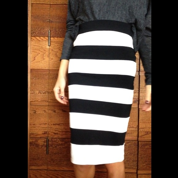 e83986a960 Black And White Pencil Skirt - Redskirtz