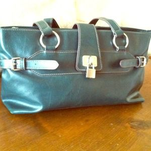 Rich green leather shoulder bag