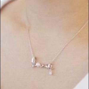 Silver love necklace!
