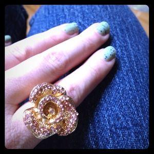 Jewelry - Rhinestone flower ring