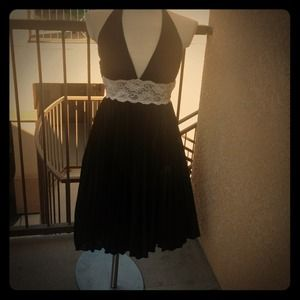 XOXO M black and white pleated halter dress lace
