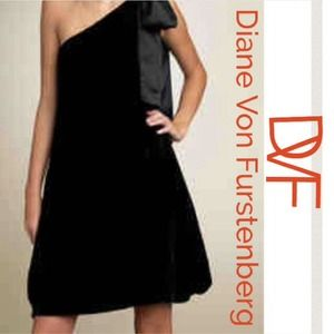 DVF Velvet Dress - Holiday Perfection!