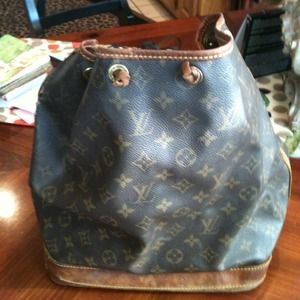 Authentic Louis Vuitton Noe Bag