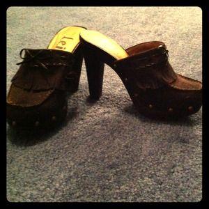 LEI dress shoes. Size 6.