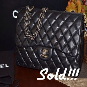 % auth Chanel jumbo Lambskin single flap silver