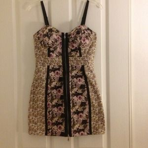 Forever 21 Dresses & Skirts - Floral bustier dress