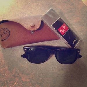 Ray-Ban Accessories - Authentic new wayfarer sunglasses