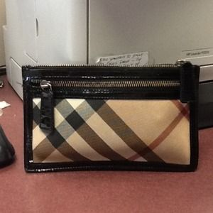 Traded👍👍👍👍Authentic Burberry Clutch