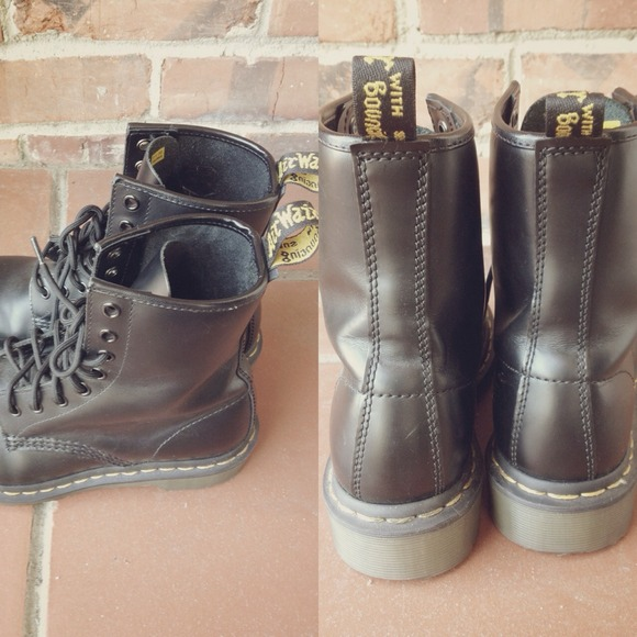 Dr. Martens Shoes - Black Size 6 Doc Martens