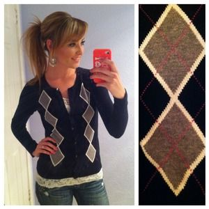Sweaters - 🎉HOST PICK🎉 Preppy Argyle Sweater