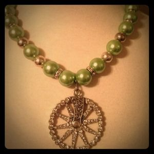 Jewelry - Green with bling spur necklace