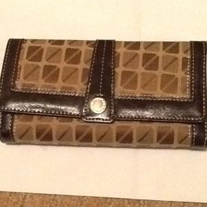 NWOT Wallet Brown/Tan