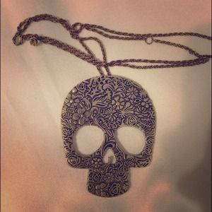 Jewelry - Skull face necklace