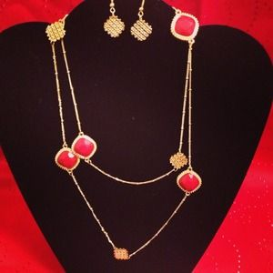 Jewelry - Long red n gold necklace set