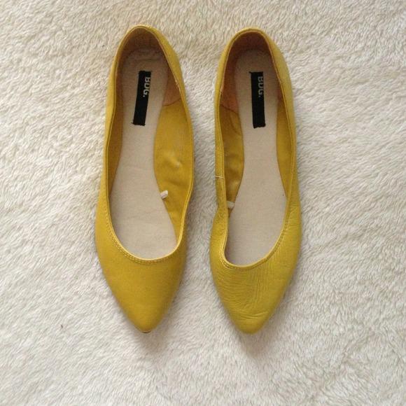 90447e5ff00d Urban Outfitters BDG yellow flats. M 514ba011e4ebea52c9000dee