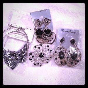 Jewelry - 💕Black Jewelry Bundle💕