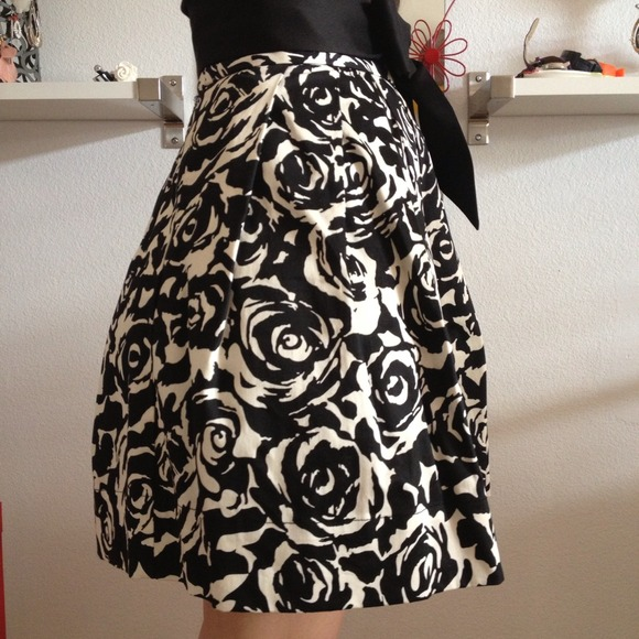 71% off Forever 21 Dresses & Skirts - HOLD Black and white floral ...