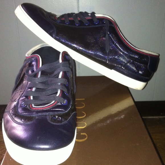 0134478485 Authentic Gucci sneakers navy blue red and white