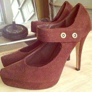 Shoes - Cute suede-like material brown heels