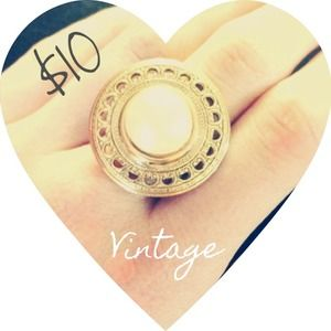 Vintage Jewelry - Vintage Pearl Gold Ring