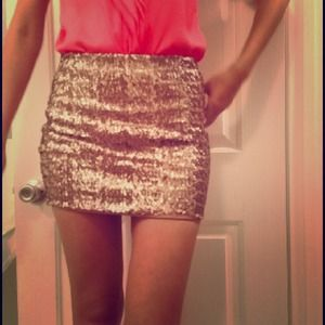 ASOS Sequin skirt in Gold, New with a tag