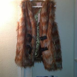 Juniors Faux Fur Vest