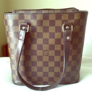 A Damier Louis Vuitton Small Tote Bag