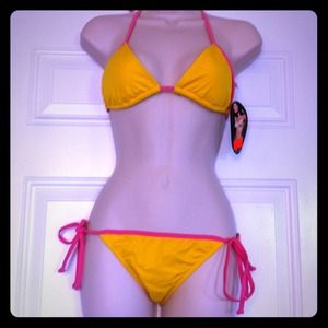 Brand New with Tags Bikini SZ M!