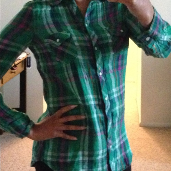Old Navy - ⭕️Donated⭕ Old Navy Plaid Button Plaid Shirt from ...