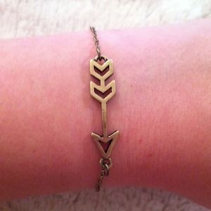Jewelry - Gold Arrow Bracelet