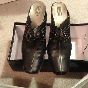 Closed toe dress shoes
