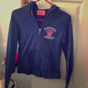 authentic juicy couture sweatshirt!! super comfy