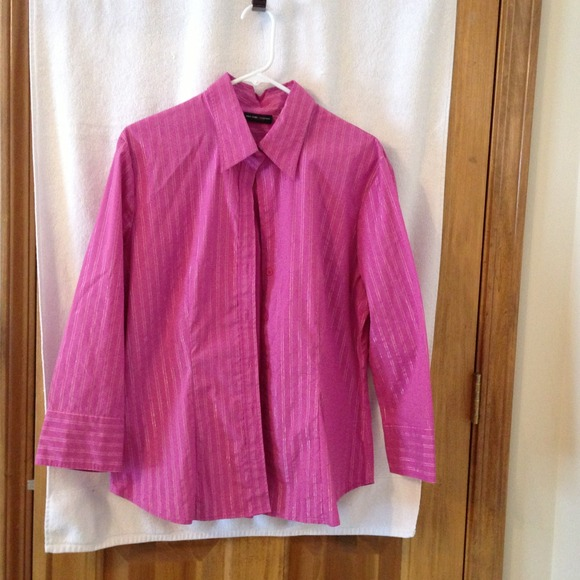 52 Off New York Company Tops Women 39 S Pink Button Down