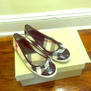 Authentic Burberry flats