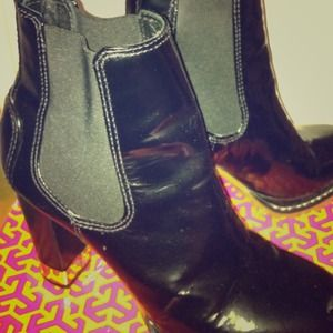 Tory Burch black calf bootie*reduced*