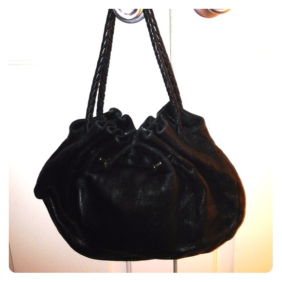 2e9f155217f2 BOTTEGA VENETA Handbags - AUTHENTIC BOTTEGA VENETA HANDBAG
