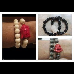 Jewelry - Wood bead charms bracelet