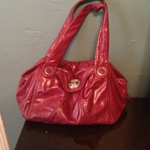 Marc Jacobs patent raspberry bag