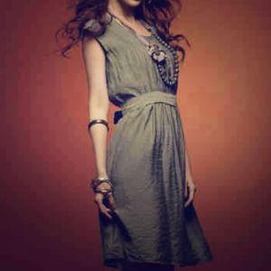 🔴SOLD IN BUNDLE🔴 Simple Light Gray Dress