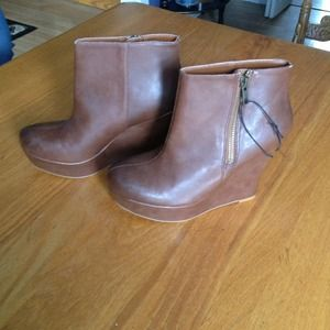 Brand new size 6.5 Brown Platform Shoes