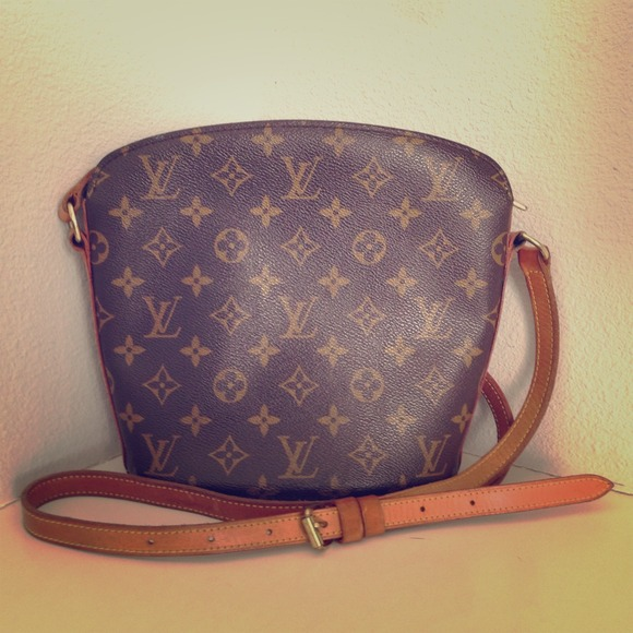 Louis Vuitton Handbags - Louis Vuitton Monogram Drouot Shoulder Bag. c242760945f27