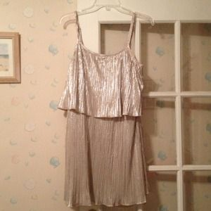 Dresses & Skirts - Nwt sparkly dress