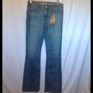 Earnest Sewn Denim - EARNEST SEWN Mid-rise Boot Cut Jeans Sz 27