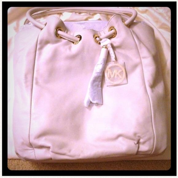 83c50daab3d5aa Michael Kors Bags | Vanilla Ring Tote | Poshmark