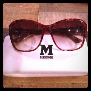 M by Missoni Accessories - REDUCED🎉HOST PICK🎉Missoni chevron sunglasses