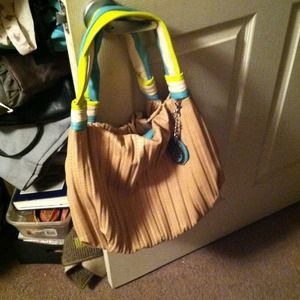 Jessica Simpson Handbags - AUTHENTIC JESSICA SIMPSON